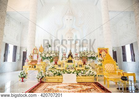 Chaing Rai, Thailand - March 6 ,2021 : Thai-chinese Temple -interior Of Wat Hyua Pla Kang Is One Of