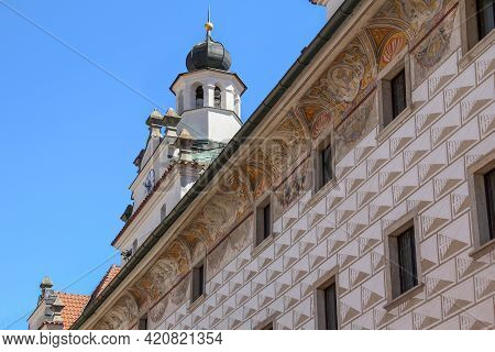 Cesky Krumlov, Czech - April 25, 2012: This Is A Fragment Of The Facade Of An Old House, Decorated W