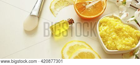 Orange Anti-cellulite Body Scrub From Orange Salt And Essential Oil And Ingredients For Its Preparat