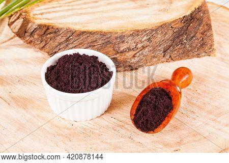 Powder Gives Acai Brazilian Fruit - Euterpe Oleracea.