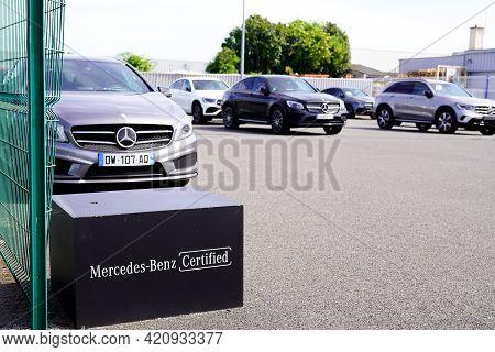 Bordeaux , Aquitaine France - 05 14 2021 : Mercedes Benz Certified Park Second Hand Car Sign Store D