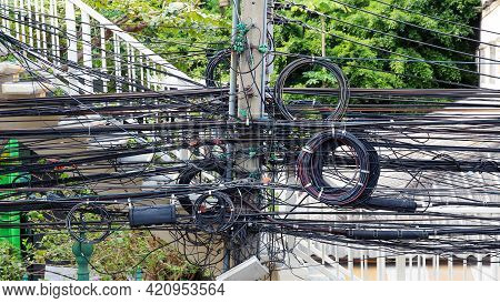 The Cables And Wires Is Very Chaos.
