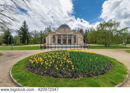 Glauber Springs Hall (dvorana Glauberových Pramenů In Czech) In The Park Of The Famous A Great Czech