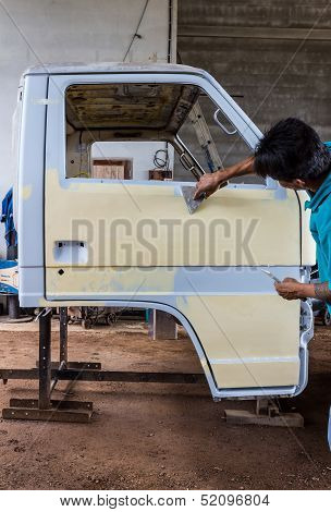 Preparing The Body Of A Car For A Repair Job