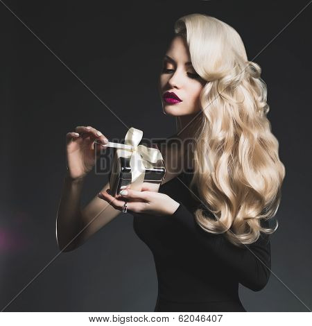 Luxury Blonde With A Gift