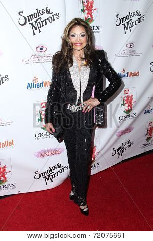 LOS ANGELES - SEP 13:  LaToya Jackson at the 2014 Brent Shapiro Foundation Summer Spectacular at Private Residence on September 13, 2014 in Beverly Hills, CA