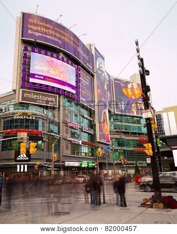 Yonge And Dundas Square Toronto