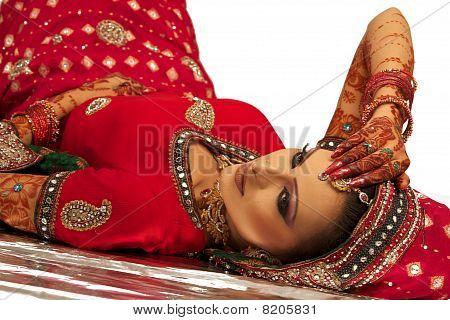 Красивая невеста Бангали