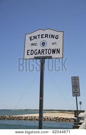 Entering Edgartown sign