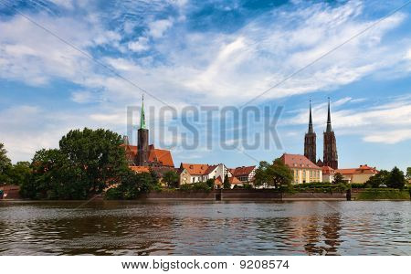 Wroclav, Katedra Cathedral seen from river Oder