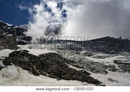 trift glacier climbing weissmies in swiss alps