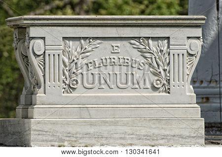 E Pluribus Unum Inscription