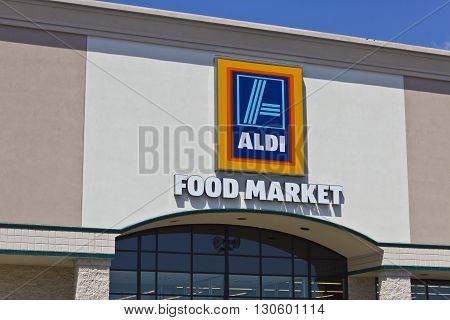 Indianapolis - Circa May 2016: Aldi Discount Supermarket. Aldi sells a range of grocery items including produce meat & dairy at discount prices V