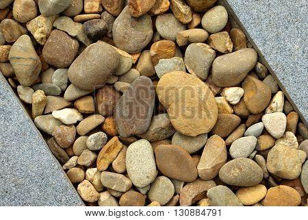 Combinations of Paving and Rocks modern landscape design