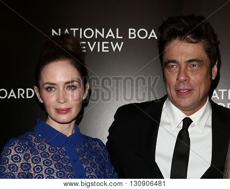 NEW YORK-JAN 5: Actors Emily Blunt (L) and Benicio Del Toro attend the 2015 National Board of Review Gala at Cipriani 42nd Street on January 5, 2016 in New York City.