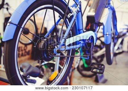 Motor Electric Bike Installed In The Wheel, Motor Wheel, Green Technology, Environmental Care