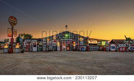 Bob's Gasoline Alley  On Historic Route 66 In Missouri