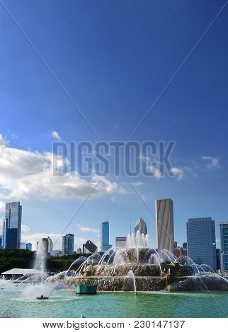 View Of Fountain And Downtown Chicago Skyline From Grant Park