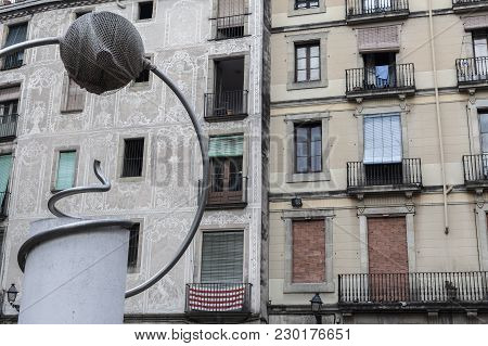 Barcelona,spain-september 9,2015: George Orwell Square In Gothic Quarter Of Barcelona. Facade Houses
