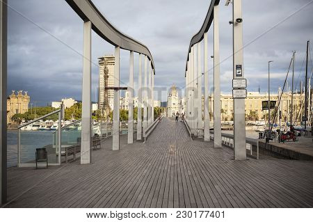Barcelona,spain-september 3,2015:rambla Del Mar, Footbridge Connect La Rambla With Port Vell, Barcel