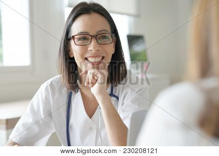 Doctor having appointment with patient