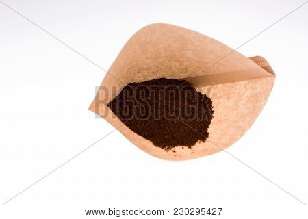 Unbleached Paper Coffee Filter With Ground Coffee