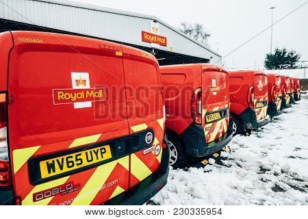 Glasgow, Scotland, Uk - March 2, 2018: Royal Mail Vans, Outside The Glasgow Post Office In Glasgow,