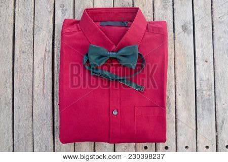 Red Shirt And Green Bow Tie, Stylish Groom