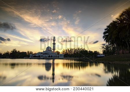 The Beautiful Nature And Reflection Over Sunset Background,tengku Tengah Zaharah Mosque, Most Iconic