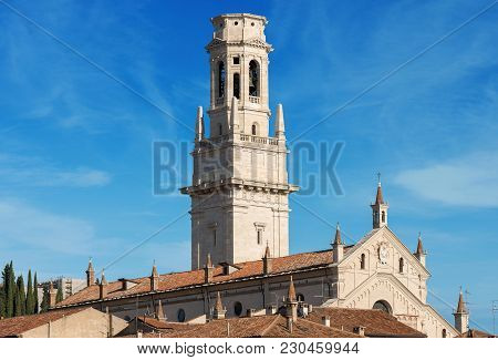 Close-up Of The Verona Cathedral In Romanesque Style (1187 - Unesco World Heritage Site) - Santa Mar