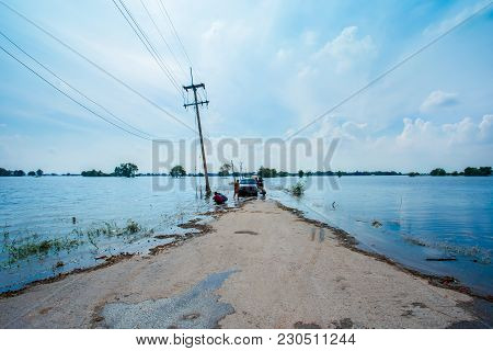 Lopburi,thailand,15,october,2017,rain For Several Days, Causing Flooding Streets And Public Houses