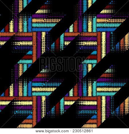 Seamless Geometric Pattern. Classic Hounds-tooth Pattern In A Patchwork Collage Style. Vector Image.