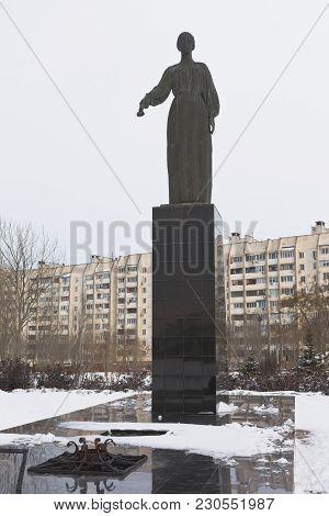 Evpatoria, Crimea, Russia - February 28, 2018: Sculpture Of The Sorrowful Mother And Eternal Flame I