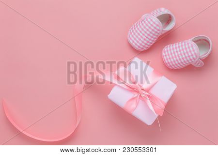 Top View Aerial Image Of Decoration Happy Mothers Day Holiday Background Concept.flat Lay Gift Box W