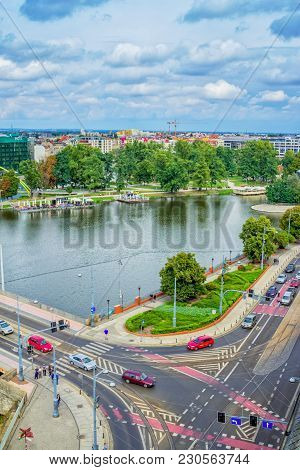 Wroclaw/poland- August 19, 2017: Cityscape Of Wroclaw With River Odra, Outdoor Café, Walking People,