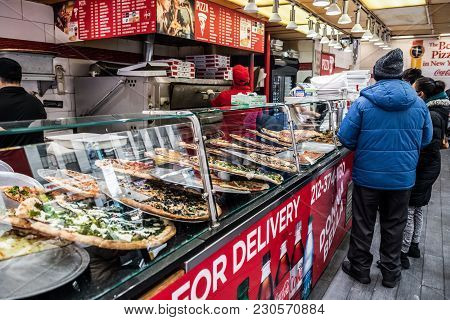 New York-march 9: A Lunch Hour View Of A Pizza Place On March 9 2018 In New York City.