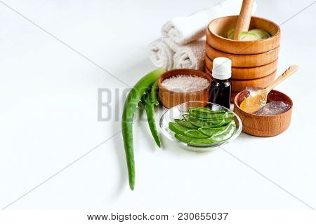 Aloe Vera For Spa Treatments, Massage And Shower