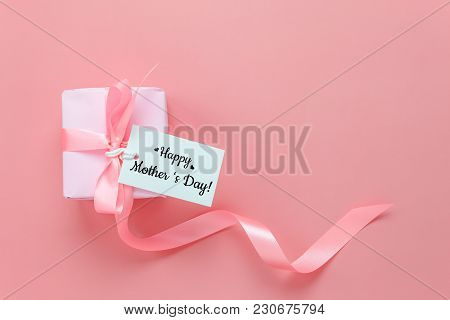 Top View Aerial Image Of Decoration Happy Mother's Day Holiday Background Concept.flat Lay Mom White