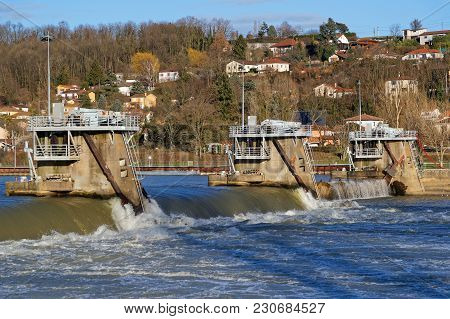 Couzon, France, March 10, 2018 : The Dam On The Saone River, Upstream To The Bridge, Is The Only One