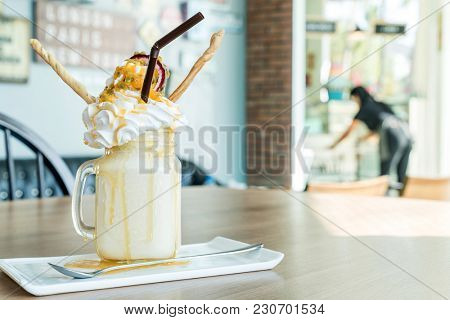 Passion fruit Smoothie with whipping cream