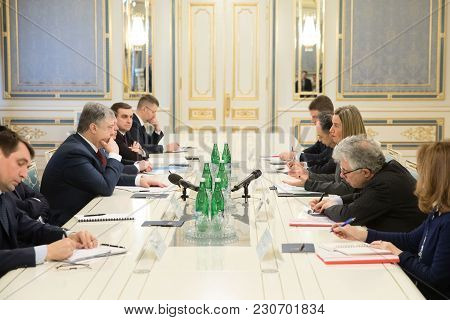 Federica Mogherini And Petro Poroshenko