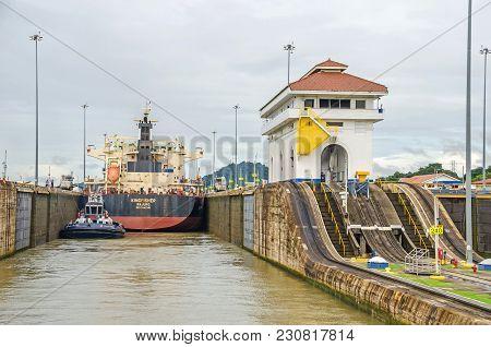 Panama City, Panama - 4 November, 2017: Bulk Carrier Kingfisher Currently Sailing Under The Flag Of