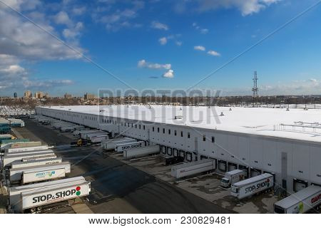Jersey City, New Jersey-march 9: A Wide Angle View Of A Supermarket Freight Company With Tractor Tra