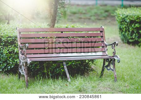 Wooden Park Bench With Sunlight,bench Chair In The Garden