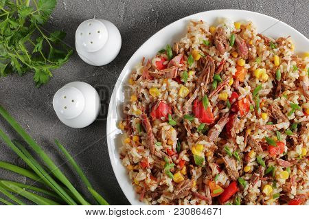 Beef Mixed With Rice And Veggies