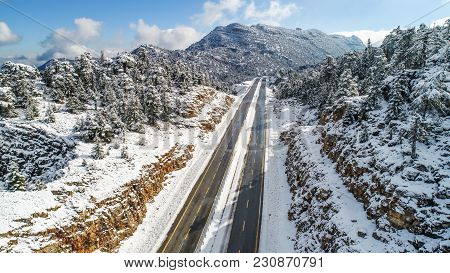 Snowy Mountains, Transportation With Busy Winter Season
