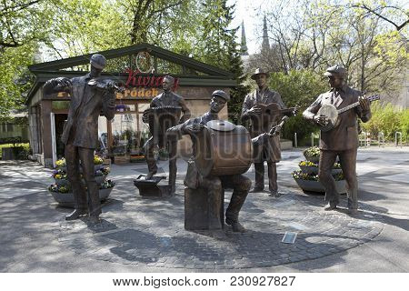 Poland, Warsaw, Monument Of Praga's Backyard Orchestra In Praga District