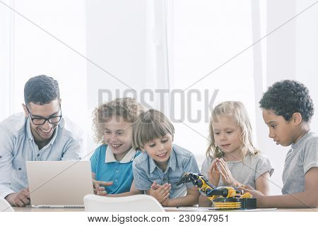 Kids In Extracurricular Stem Club