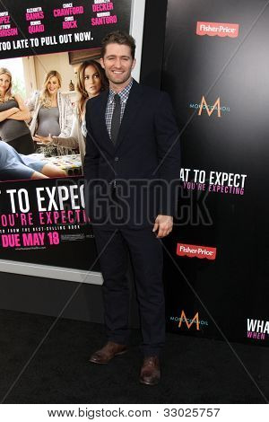 LOS ANGELES - MAY 14:  Matthew Morrison arrives at the