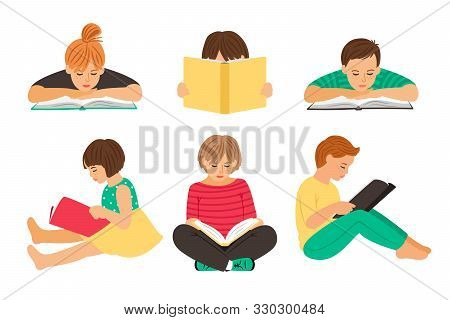 Cartoon Reading Kids. Teens Students With Books Isolated On White Background, Pupils Or Schoolchildr